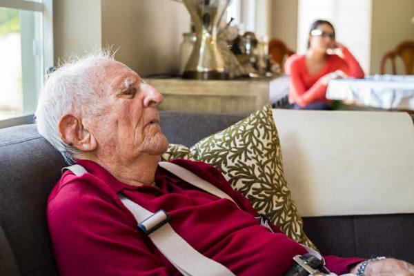 Do Fewer Nightly Dreams Mean Higher Dementia Risk in Seniors?
